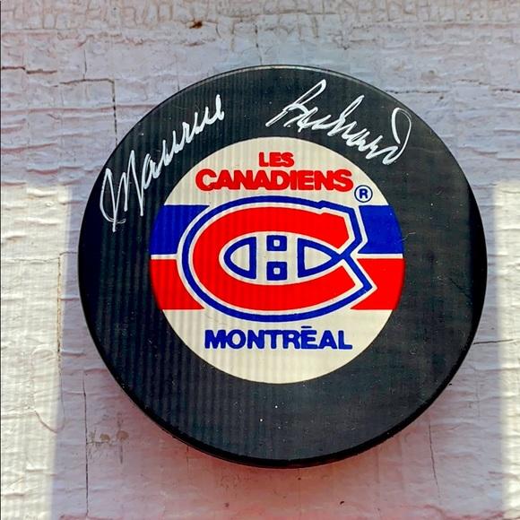 Maurice Richard signed hockey puck